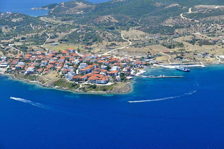 Ammouliani island   Halkidiki   Macedonia   Greece - Ammouliani island is an idyllic combination of fine golden sand, aquamarine sea, vegetation and giant rocks.