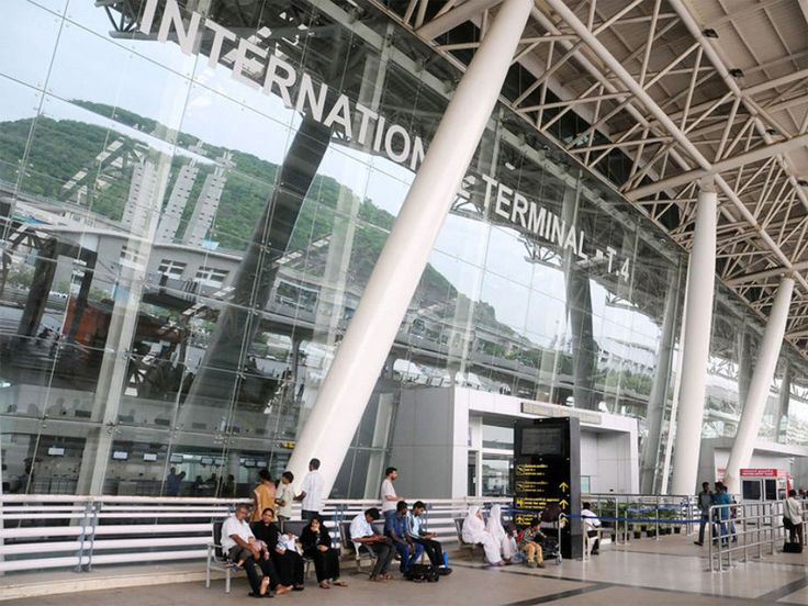 Special help desk has been set up at Chennai airport and metro station to guide and help the passengers utilize it. #TransportNews #ChennaiUngalKaiyil.