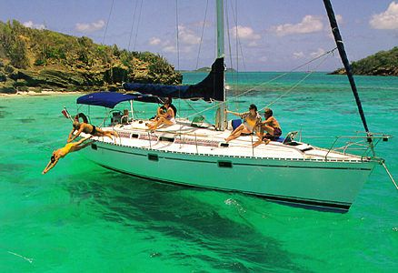 Learn sailing in Caribbean ...