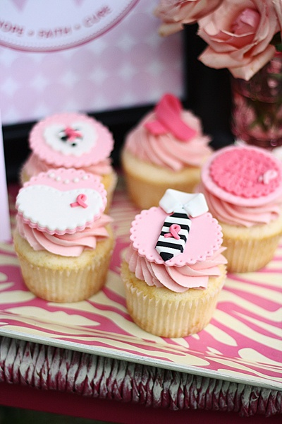 breast cancer awareness cupcakes + free printables  <3