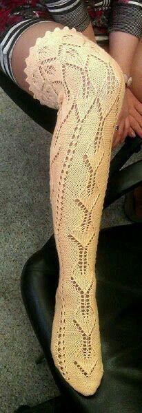 Magnifique chaussette haute dentelle aiguilles ~~ Magnificent knitted lace thigh-high stocking