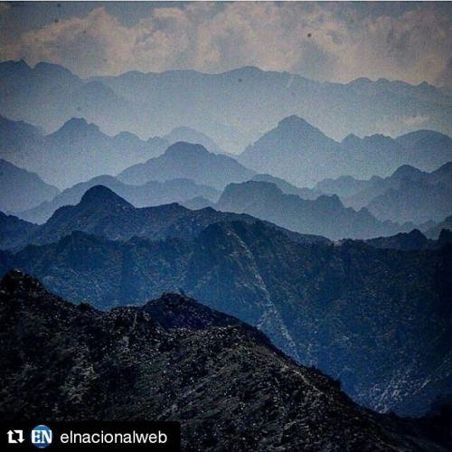 Páramo La Culata #Repost @elnacionalweb with @repostapp ・・・ Increíblemente hermosa esta fotografía de la formación de montañas que componen la sierra de La Culata, en Mérida. Foto cortesía de @georgecastellanos a través de la etiqueta #elnacionalweb