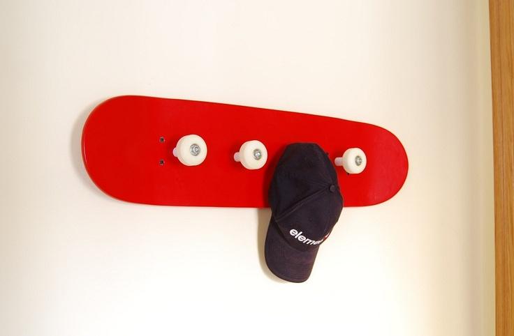 skateboard coat rack perchero monopatin skateboard. Black Bedroom Furniture Sets. Home Design Ideas