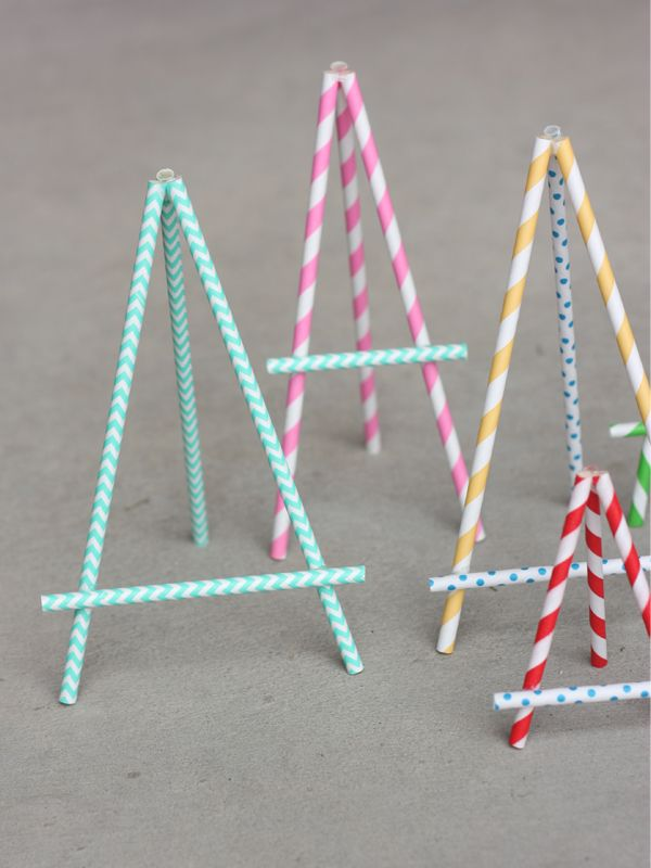 DIY Paper Straw Easel - cute for party signs!