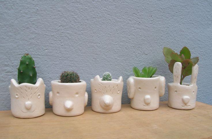 Mini macetas Verde cactus  Little ceramic pot animals Verde cactus