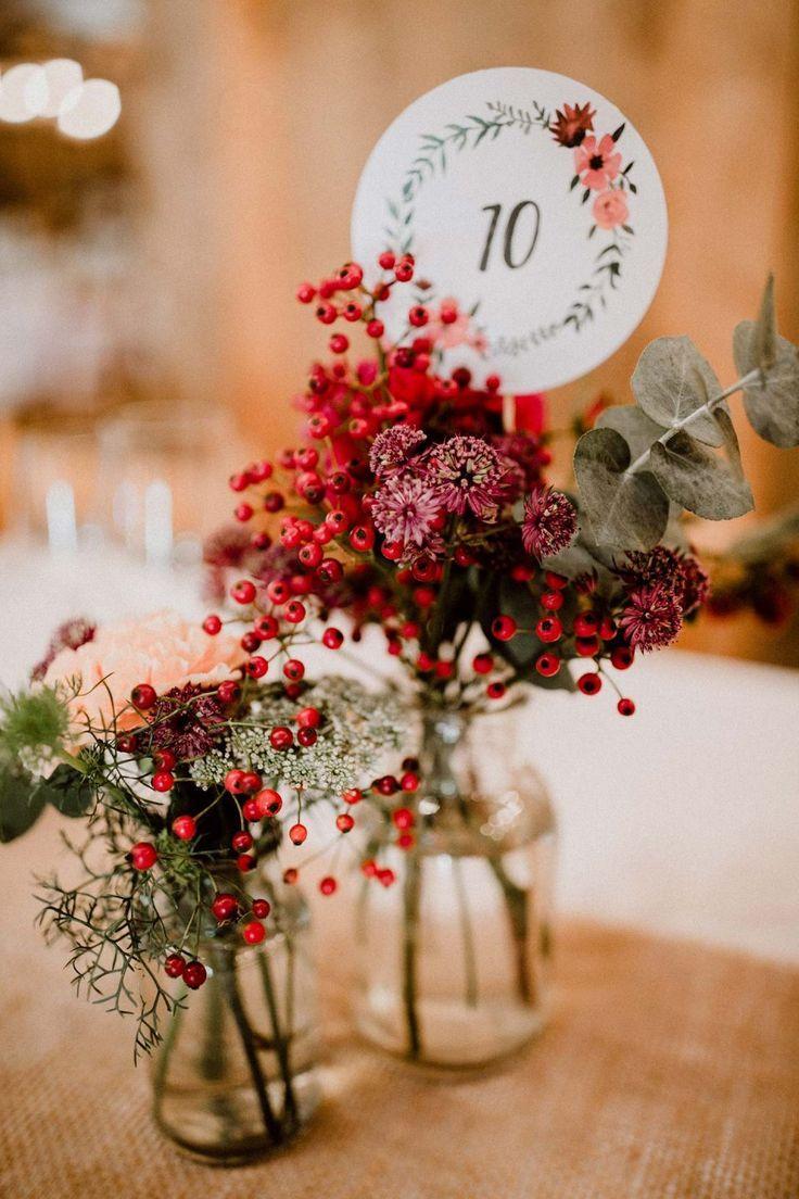 Ilka & Fabian: Fröhliche Scheunenhochzeit im Herzen des Allgäus   – Hochzeit im Herbst- Indian Summer Wedding- Brautkleider, Accessoires, Dekoration und Inspiration für Deine Herbsthochzeit