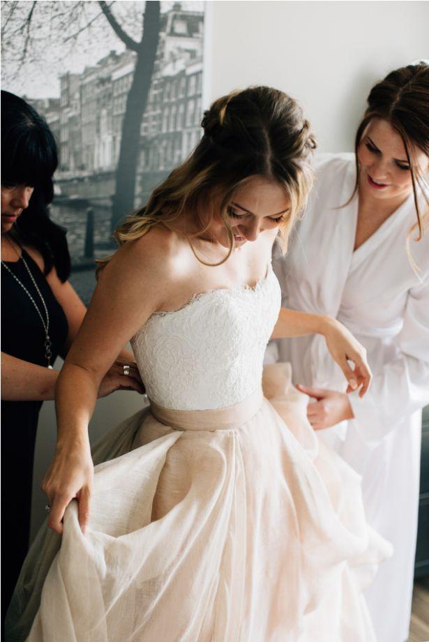 Skirt: Carol HannahKensington, top: Alencon Lace Bustier |Photography: Heart and Sparrow