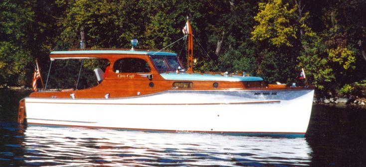 antique cabincruiser | 28 ft Chris Craft Wooden Cabin Cruiser for sale