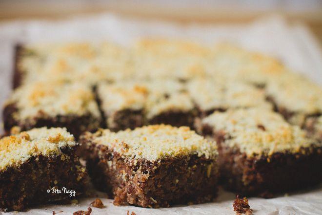 Vegán kakaós mandulás quinoa süti reggelire
