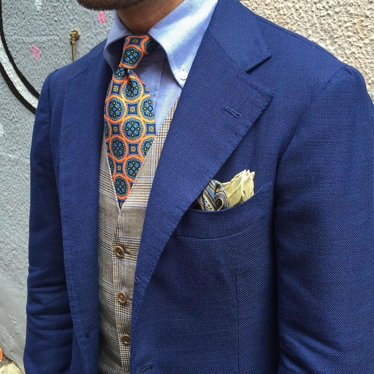 perfettobenedetto: Coral printed silk tie and a... - Treviorum