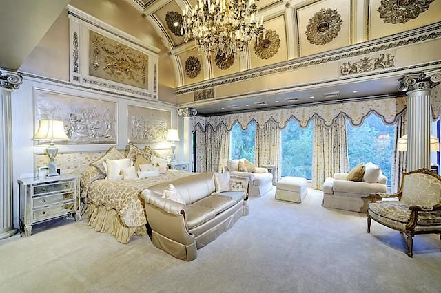 Master bedroom luxury $20-Million Texas Mansion On Sale ...