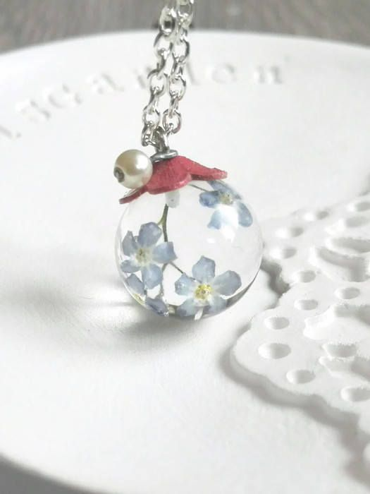 #etsy: Forget-me-not pendant Resin forgetmenot necklace Blue flower pendant Resin pendant Blue silver pendant real flower Anniversary gift for her #gioielli #collane #blu #argento #floreale #mothersday #giftforgirfriend http://etsy.me/2ChYcy6