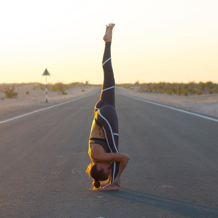 """Abbey Bates on Instagram: """"Trivikramasana • Standing Split Yogi toes for the win. Outfit @aloyoga ✌️ @aloyoga is now shipping internationally, everyone can get their hands on some apparel """""""