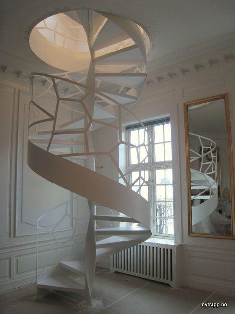 Custom designed spiral stair | Spiraltrapp designet i samarbeid med Bruvoll Arkitektur AS