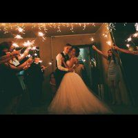 свадьба в стиле эко-рустик с бирюзовыми акцентами, бенгальские огни на свадьбе