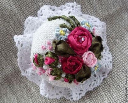 """Брошь """"Розы и незабудки"""" - брошь,брошь с вышивкой,Вышивка лентами,ручная работа handmade"""