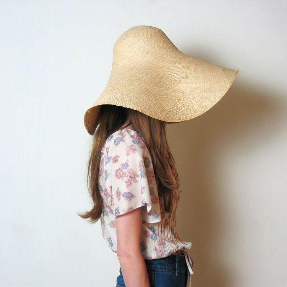 1970s HUGE FLOPPY STRAW hat