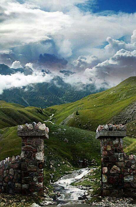 Le portail vers les #Highlands en #Ecosse. http://www.randonnee-nature.com/