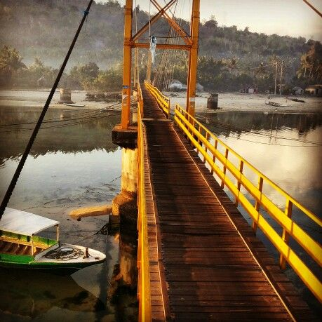 Bridge of nusa lembongan-nusa ceningan ..@bali island