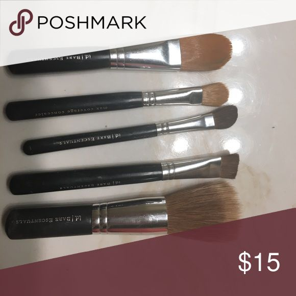 Bare minerals brushes- set used in good condition Bare minerals brushes- set used in good condition... I will disinfect before shipping bareMinerals Makeup Brushes & Tools