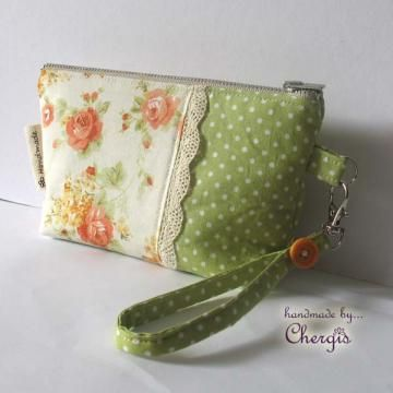Zipper Pouch/ Purse/ Wristlet with removable key fob