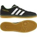 Zapatillas Janeirinha Sala Negra-Blanca. Fabricadas en lona.Se adaptan como un guante para los jugadores más técnicos. Consiguelas aqui: http://www.deportesmena.com/botas-futbol-sala-adidas#