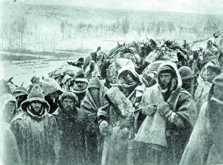 1938- Tropas republicanas en el Frente del Ebro. Spanish Civil War.Mon père était parmi eux.