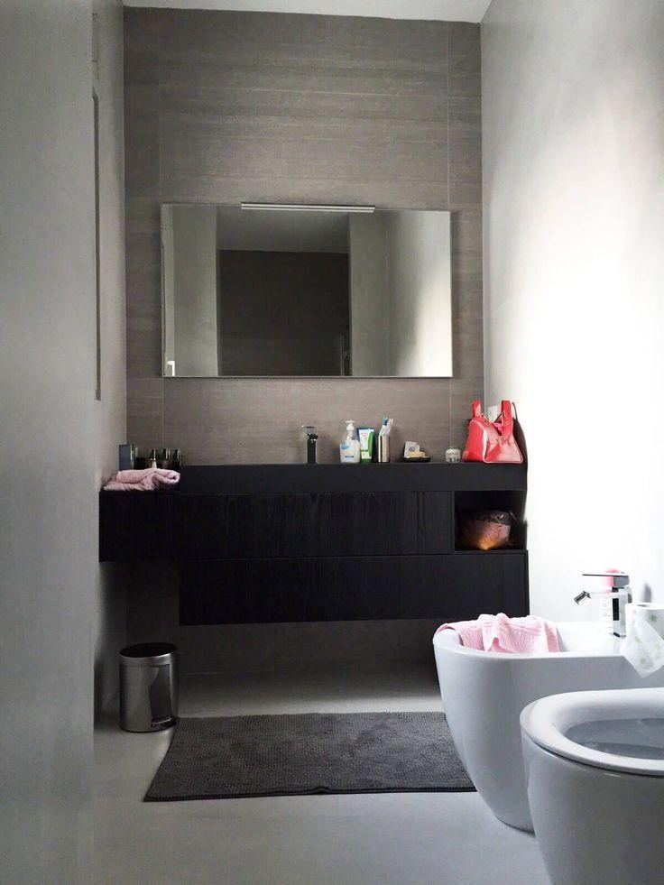 Collezione Sense in Teak nero: una realizzazione a cura di Ceramiche Zanibellato, in provincia di Treviso, pensata per un bagno piccolo.  #arredo #arredobagno #mobili #design