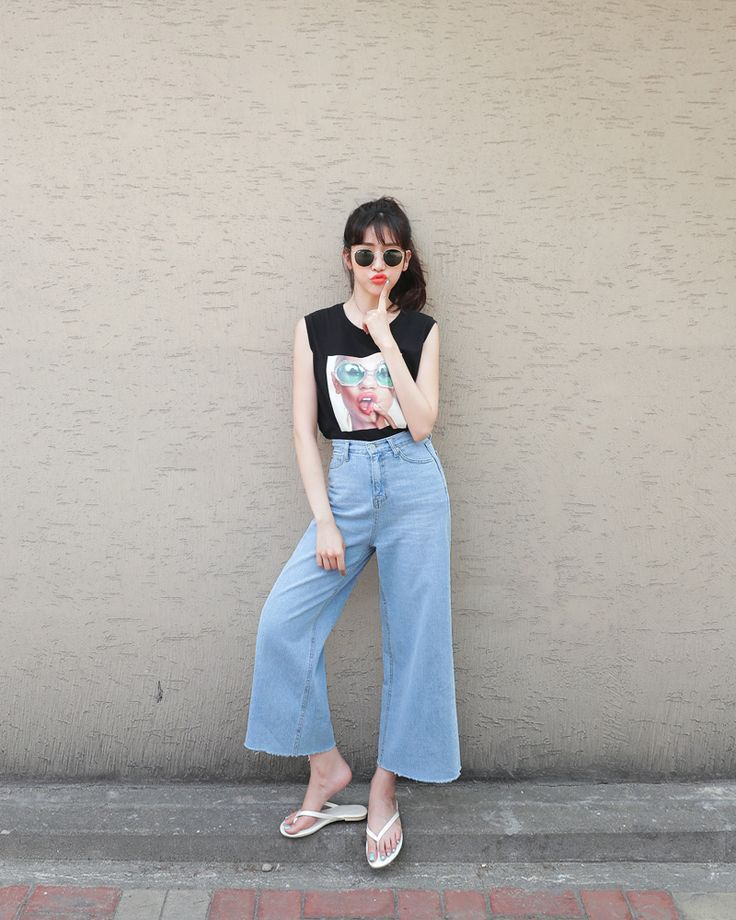 ss// wide ankle jeans// muscle tee