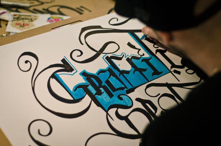 Cropp & Sharpie Graffiti Spot - Warszawa #fbimedia #agencifbi #agencifabimedia #dobrzerobimy #cropp #sharpie #graffitispot #graffitiart #graffti #sztos #goodpeopleingoodplace #event #ad #promotion #fun #streetart #goodpeopleingoodplace #goodpeople #agencjaeventowa #agencjareklamowa #tags #graffitijam #art #ciężkaparaca #hardwork #poland #freshlybakedideas #fun #reklama #ad #advert