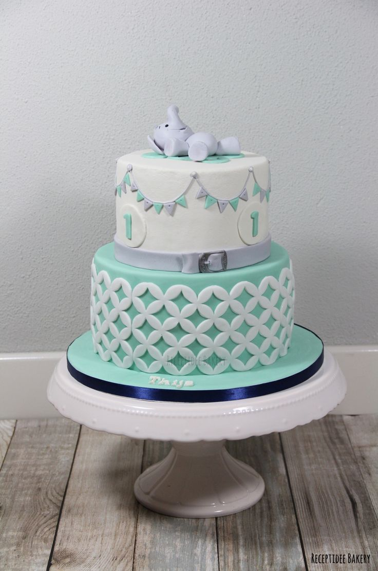 Verjaardagstaart van Thijs 1 jaar! / Birthday cake Thijs 1 year old #olifant…