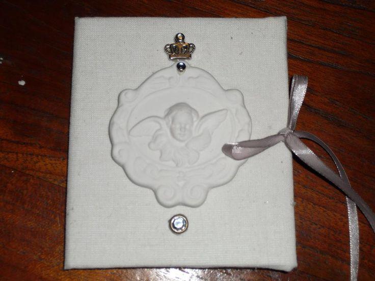 verpakkingsmateriaal van huisparfum . gestoffeerd en een boekje van gemaakt