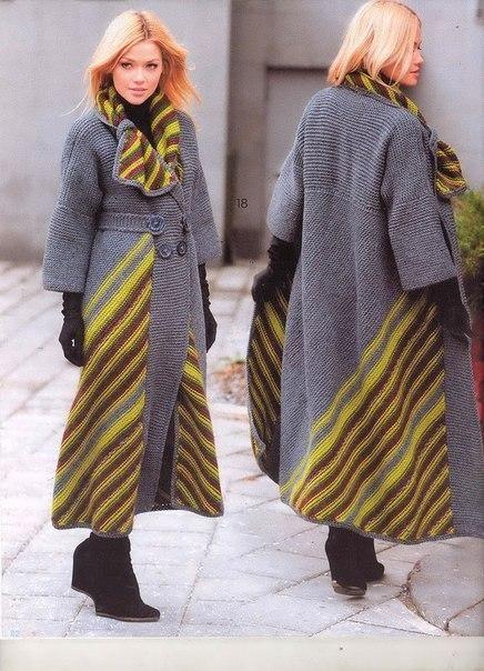 Вязаное пальто спицами по диагонали