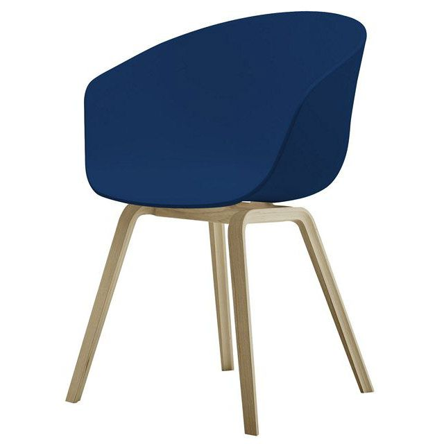 poltrona Blu / Base in legno naturale in Materiale plastico About a chair 4 gambe - Hay