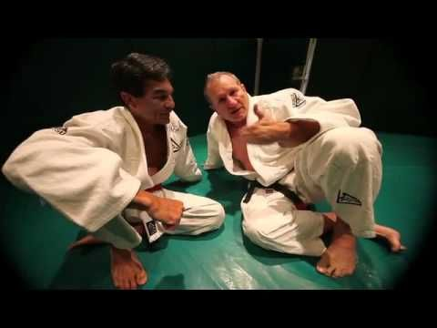 Ed O'Neill Rolls With Rorion Gracie