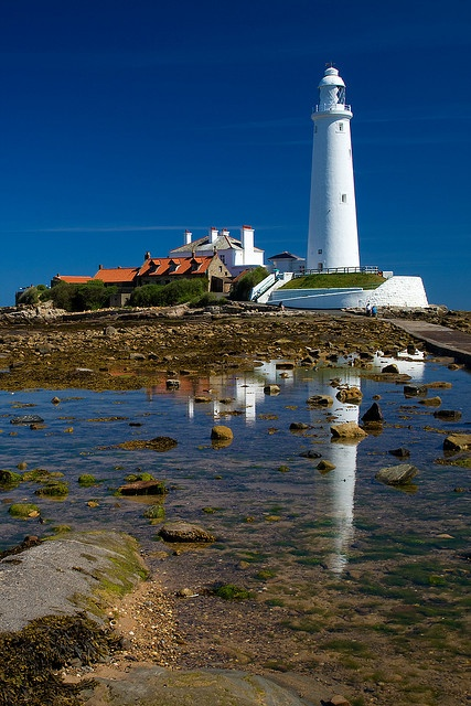 "St Mary's Lighthouse is on the tiny St. Mary's Island, just north of Whitley Bay on the coast of North East England. by ""Mark Hume"", via Flickr"