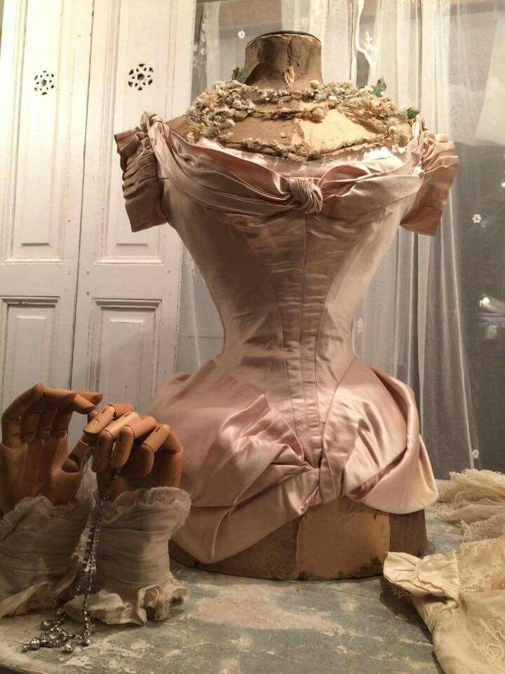 1000 ideas about vintage mannequin on pinterest. Black Bedroom Furniture Sets. Home Design Ideas