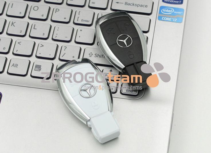 USB flash disk v designu automobilové značky.