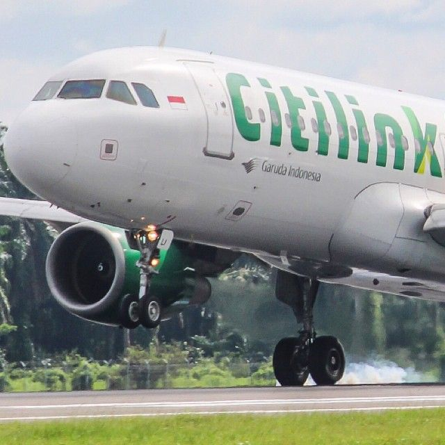 Citilink A320 The airline was founded in 2001 and as of December 2014 had 32  A320s and just one remaining 737. Photo by Rizki H @rizkimanaek #citilink #a320 #...Instagram photo   Websta (Webstagram)