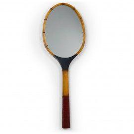 Spiegel - Amory - Metalen frame - Tennisracket - LaForma-Kave Zullen wij een potje tennis spelen? Of hang jij hem toch liever aan de muur? Deze tennisracket vormige spiegel is echt een plaatje!