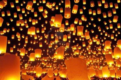 Yi Peng Festival, Chiangmai, Thialand oh my god oh my god this us soooo insanely beautiful. It would be just like on tangled !!! Bucket list