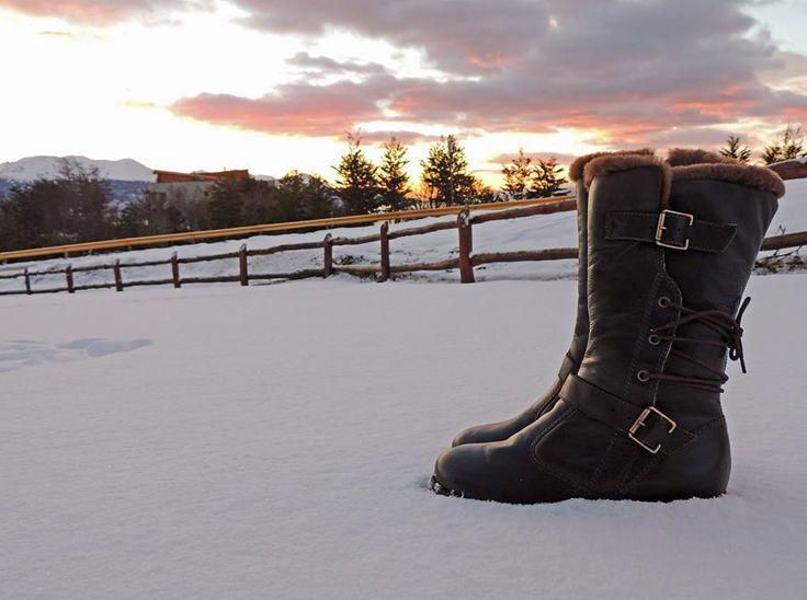 Nada melhor do que uma bota completa e segura para os seus momentos na neve! #SnowMoments