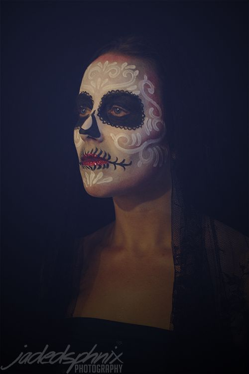 """Sugar Skull, Day of the Dead make up face paint.  """"Calavera"""" Model: Mel Make-up/face paint by JadedSphnix Photographed by JadedSphnix Photography  For more images visit http://www.facebook.com/JadedSphnixPhotography and http://www.facebook.com/JadedSphnix"""