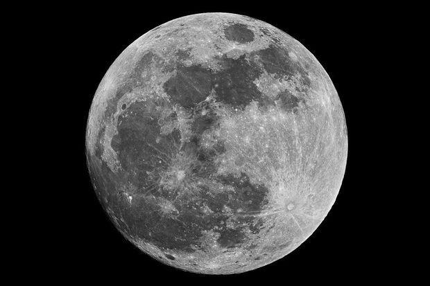 Spectaculaire beelden van meteoriet inslag op de maan