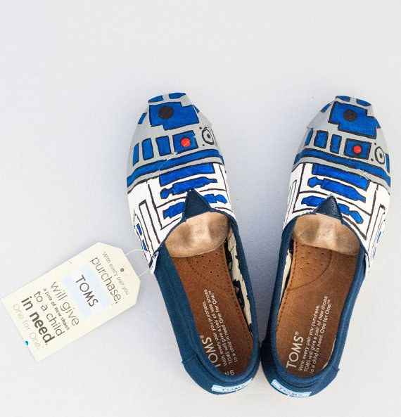 Maybe Star Wars is more your speed. | Community Post: 25 Beautifully Hand-Painted TOMS For Every Fandom