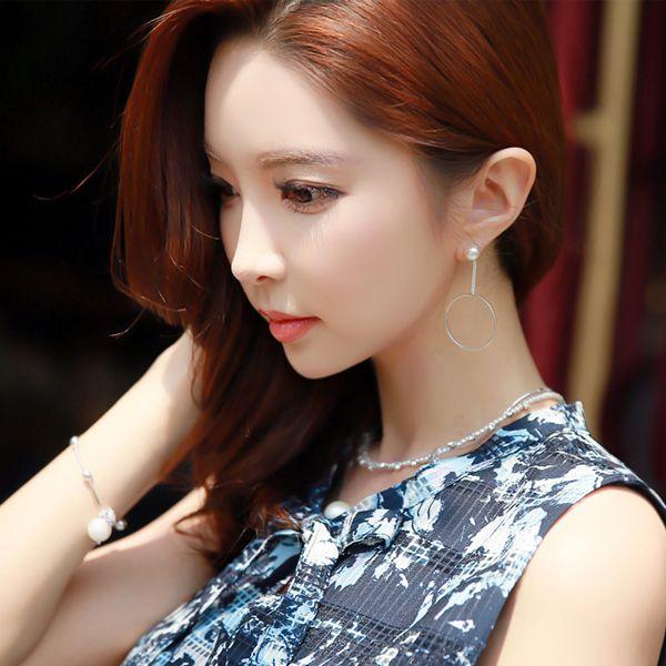 StyleOnme_Asymmetrical Hoop Drop Earrings #elegant #pearl #circle #earrings #koreanfashion #kstyle #silver