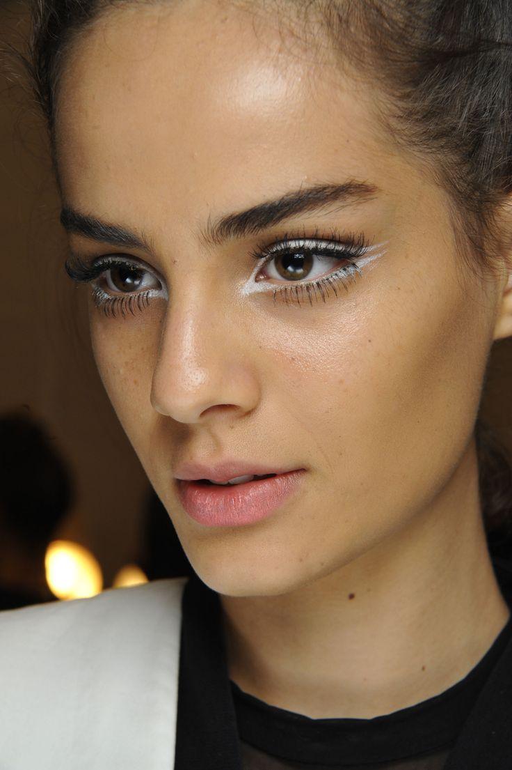 White makeup at Nanette Lepore for Spring Summer 2015  #beauty | #eyeliner | #60s | #runway