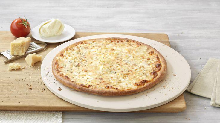 Pizza «4 Formaggi» – Tomato sauce, Mozzarella, Feta, Gorgonzola, Grated cheese, Herbes de Provence – Sizes: S - 25cm, M - 30cm, L - 35cm