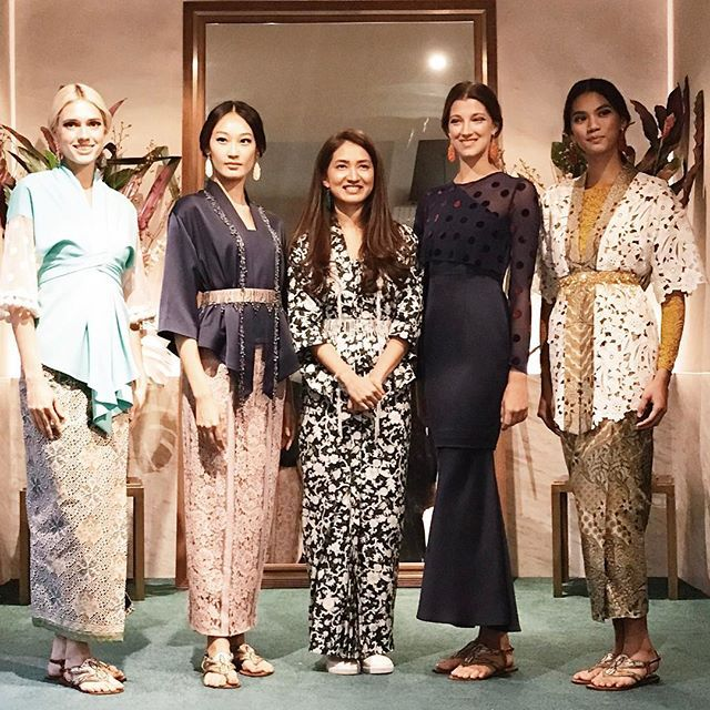 Singaporean fashion designer Priscilla Shunmugam launched her latest collection titled Gadis Perkasa today! Lovely lace and batik as usual  More on our Instagram Stories! #HarpersBazaarSG #OSRaya17  via HARPER'S BAZAAR SINGAPORE MAGAZINE OFFICIAL INSTAGRAM - Fashion Campaigns  Haute Couture  Advertising  Editorial Photography  Magazine Cover Designs  Supermodels  Runway Models