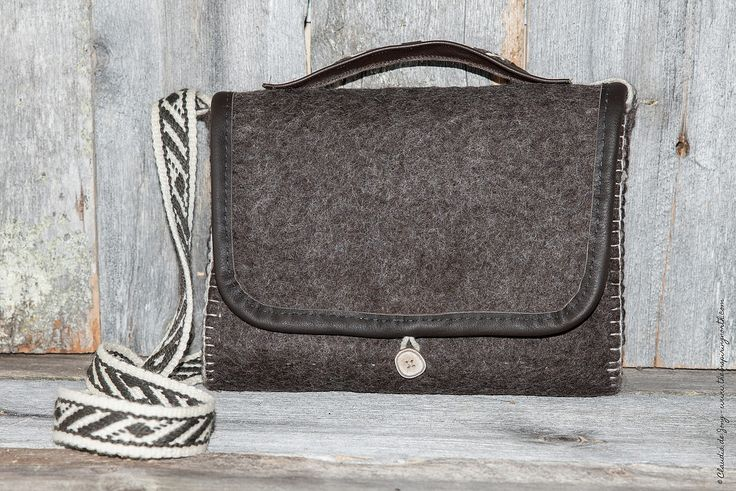 Hand bag - € 75